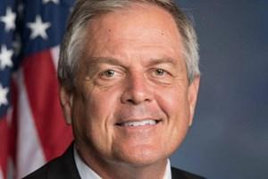 Một nghị sỹ Mỹ mang theo súng đã nạp đạn vào phòng họp
