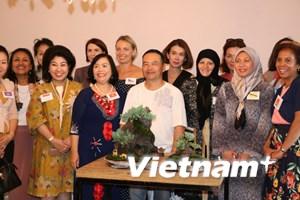 Nghệ sỹ gốc Việt khiến khách quốc tế thán phục nét văn hóa Việt Nam