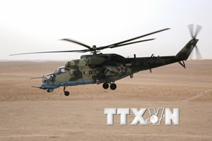 Trực thăng quân sự Mi-8 AMTSh của Nga trở về nước từ Syria