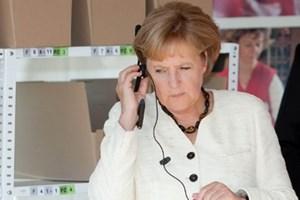 """Quan chức Đức được khuyên dùng điện thoại """"dùng 1 lần rồi bỏ"""""""