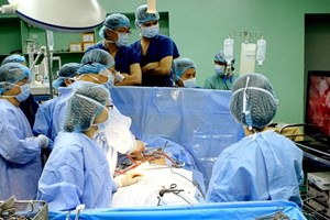 Áp dụng thành công nội soi qua lỗ tự nhiên trị ung thư đại tràng