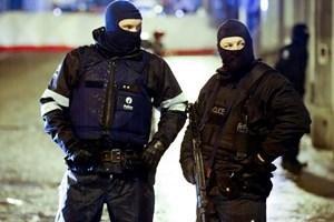Chính phủ Bỉ trang bị vũ khí để tự vệ cho toàn bộ cảnh sát