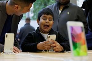 Siêu phẩm iPhone X đẩy doanh thu của Apple lên cao chưa từng có