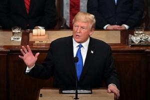 """Cựu Giám đốc FBI: Ông Trump """"không đủ đạo đức"""" làm Tổng thống Mỹ"""