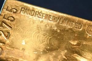 Giá vàng thế giới tăng nhẹ trong bối cảnh đồng USD đứng vững