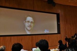 Edward Snowden: Tất cả công dân Nhật Bản đều bị theo dõi
