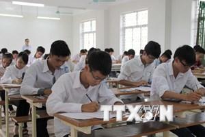 Hàng chục nghìn học sinh lớp 12 ở Hà Nội bước vào kỳ thi khảo sát