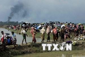 Myanmar giải tán người biểu tình tấn công đoàn cứu trợ Rohingya