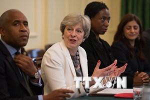 Thủ tướng Anh tạm hoãn thông qua hai dự luật chủ chốt liên quan Brexit