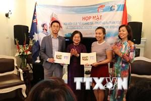 Nguyên Phó Chủ tịch nước Trương Mỹ Hoa gặp gỡ kiều bào ở Australia
