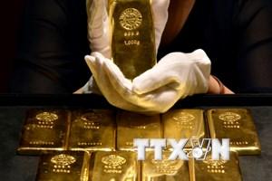 Giá vàng thế giới rơi xuống mức thấp nhất trong sáu tuần qua