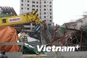 80 tấn bê tông tươi đổ sập, 9 công nhân chết hụt trong gang tấc