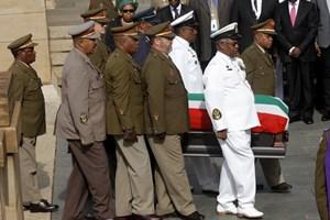 Chùm ảnh lễ rước linh cữu lãnh tụ Nelson Mandela