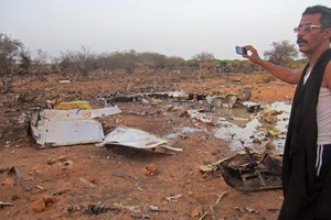 Đã tìm thấy hộp đen thứ hai của máy bay Algeria rơi ở Mali