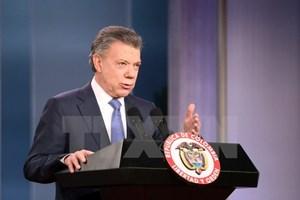 Tổng thống Colombia tặng tiền thưởng giải Nobel cho nạn nhân xung đột