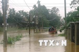 Hơn 2.000 hộ dân ở vùng lũ Quảng Ngãi chưa được cấp điện trở lại