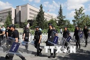 Thổ Nhĩ Kỳ bắt thêm gần 200 người có liên quan đến vụ đảo chính