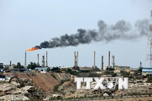 Iran khẳng định sẽ vẫn bán dầu bất chấp các lệnh trừng phạt của Mỹ