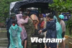 Bão số 9 vào đất liền từ Quảng Trị đến Đà Nẵng