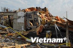 Hai cha con người Việt ở Mỹ thoát chết vụ lốc xoáy