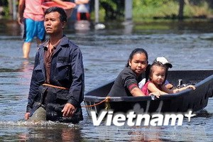 Bangkok chịu nguy hiểm vì nước tiếp tục dâng cao