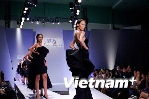 Thời trang Việt tới Pháp