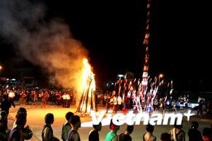 Đêm hội cồng chiêng của dân tộc thiểu số Kon Tum