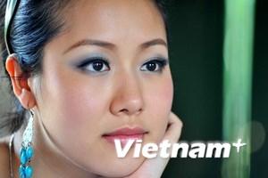 Ngô Phương Lan dẫn chung kết Hoa hậu Quý bà