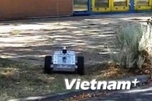 Robot theo dõi tội phạm