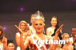 Người đẹp Nga đăng quang Hoa hậu Quý bà thế giới