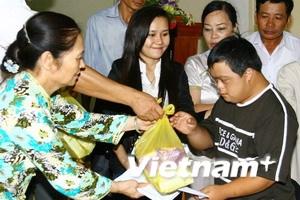 Xã hội hóa thành công việc giúp nạn nhân da cam