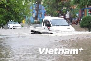 Kon Tum: Bão cô lập bốn huyện, 13 người chết