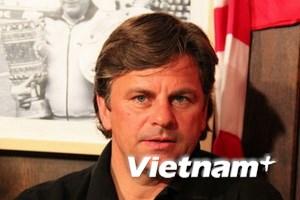 """HLV người Đức đến Việt Nam để """"chốt"""" hợp đồng"""