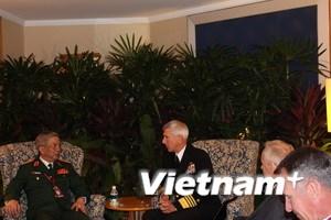 Việt Nam củng cố quan hệ quốc phòng với các nước