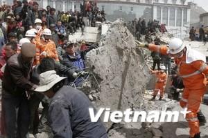 Gần 2.000 người chết do động đất ở Trung Quốc