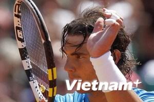 """Khó cản nổi sức mạnh """"vua sân đất nện"""" Nadal"""