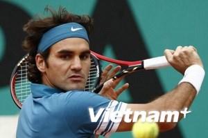 Roger Federer thẳng tiến