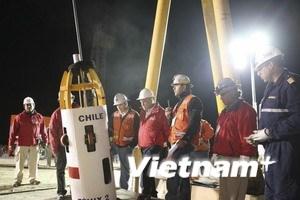 Nhật gửi đồ lót vũ trụ cho thợ mỏ mắc kẹt ở Chile