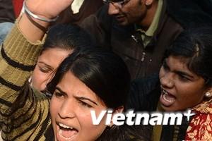 Hành khách nữ đi xe buýt ở Ấn Độ lo bị cưỡng hiếp