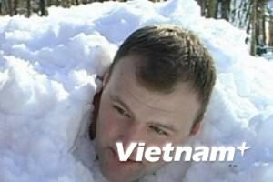Ngâm mình trong tuyết