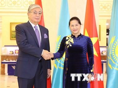 Chủ tịch Quốc hội hội kiến Chủ tịch Thượng viện CH Kazakhstan