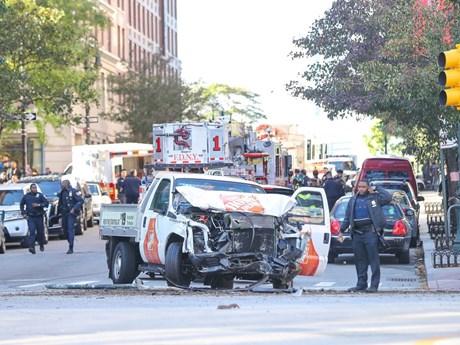 [Photo] Hiện trường vụ tấn công đẫm máu bằng xe bán tải ở New York