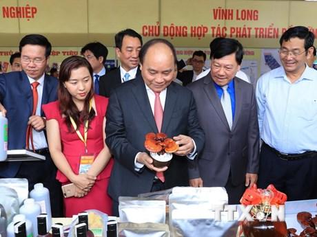 [Photo] Thủ tướng dự Hội nghị xúc tiến đầu tư vào tỉnh Vĩnh Long