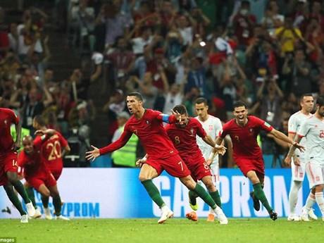 Hình ảnh Bồ Đào Nha và Tây Ban Nha rượt đuổi tỷ số kịch tính