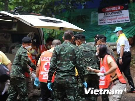 Cận cảnh chiến dịch giải cứu thành viên đội bóng Thái Lan ngày 2
