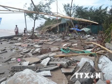 [Photo] Cảnh tượng tàn phá sau khi cơn bão số 10 tràn qua