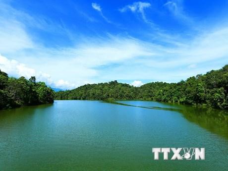 [Photo] Đến Hồ Pá Khoang tận hưởng không khí trong lành, dễ chịu