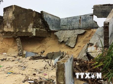 [Photo] Bờ biển Thừa Thiên-Huế sạt lở ngày càng nghiêm trọng