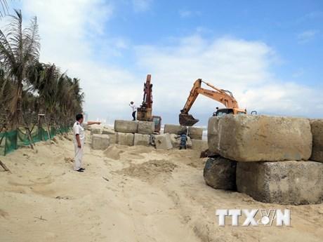 Tháo dỡ phần xây dựng vi phạm tại dự án The Song Đà Nẵng