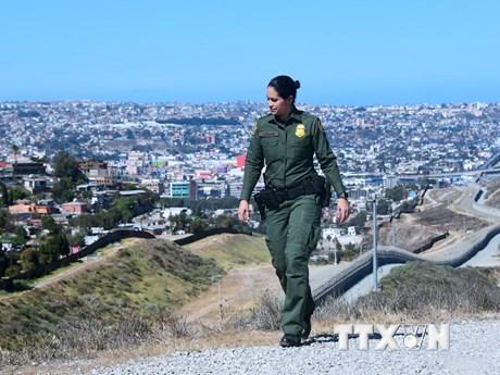 """Mexico phản ứng khi ông Trump gọi những người nhập cư là """"động vật"""""""